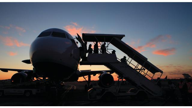 lgb-passenger-groundloading_10851680.psd