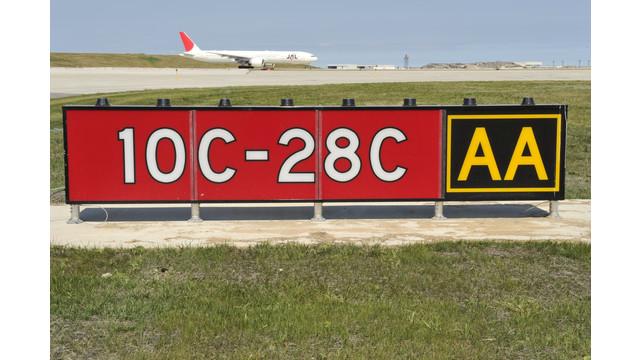 runway-10c-28c-sept-2013-corte_11213872.psd