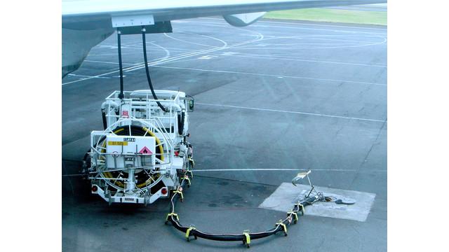 Jet-a1-truck-refueling-dsc04316.jpg