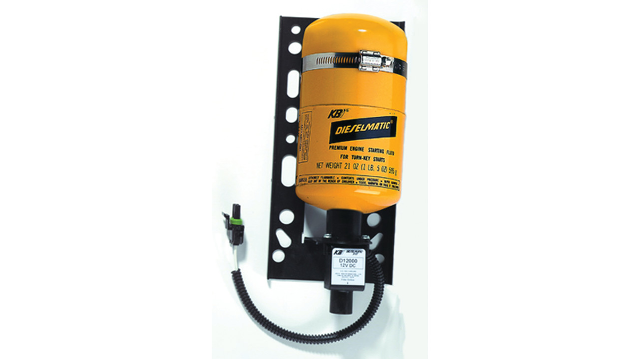 Engine starting fluid injection systems for Motor oil fire starter