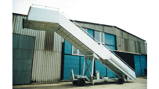 TPS 5800 Towable Passenger Stairs