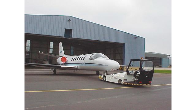 regionalaircrafttractor_10025573.tif