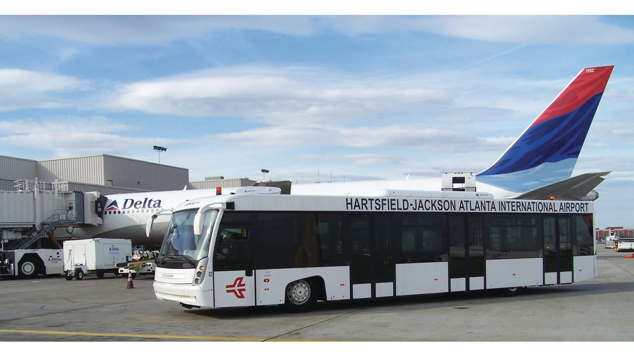 how to go airport by bus