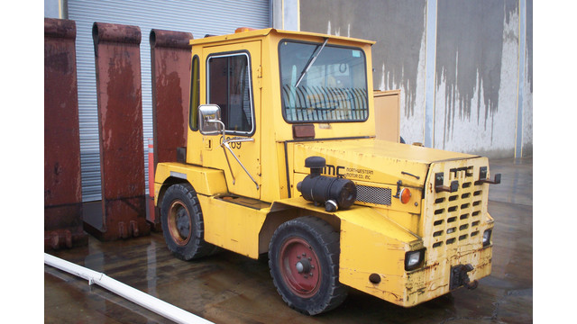 1994 NORHTWESTERN TOW TRACTOR
